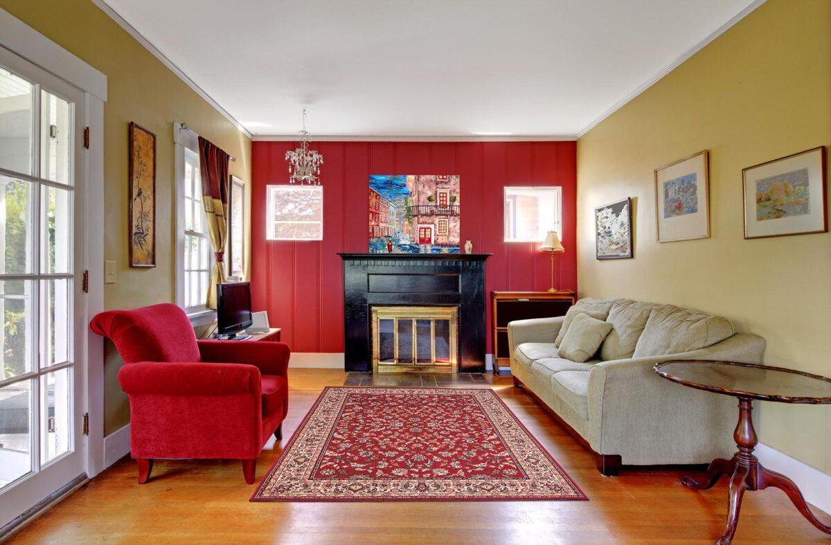 Pareti soggiorno color bordeaux: 10 idee e foto
