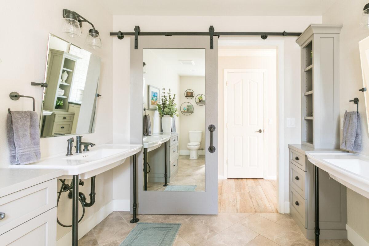 Abbellire la porta del bagno: 10 idee e foto