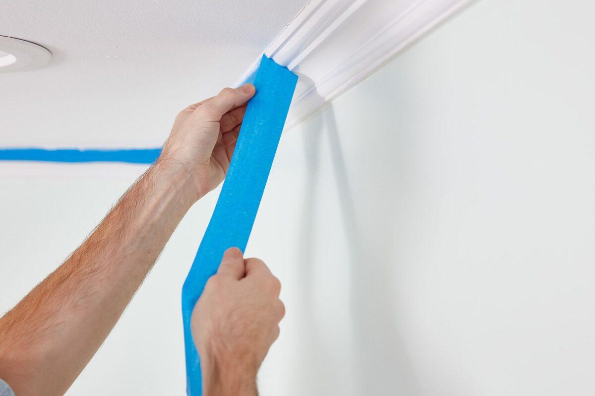 Come rimuovere il nastro adesivo dal muro