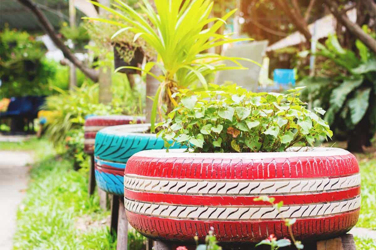 abbellire-il-giardino-fai-da-te-pneumatici-fiori