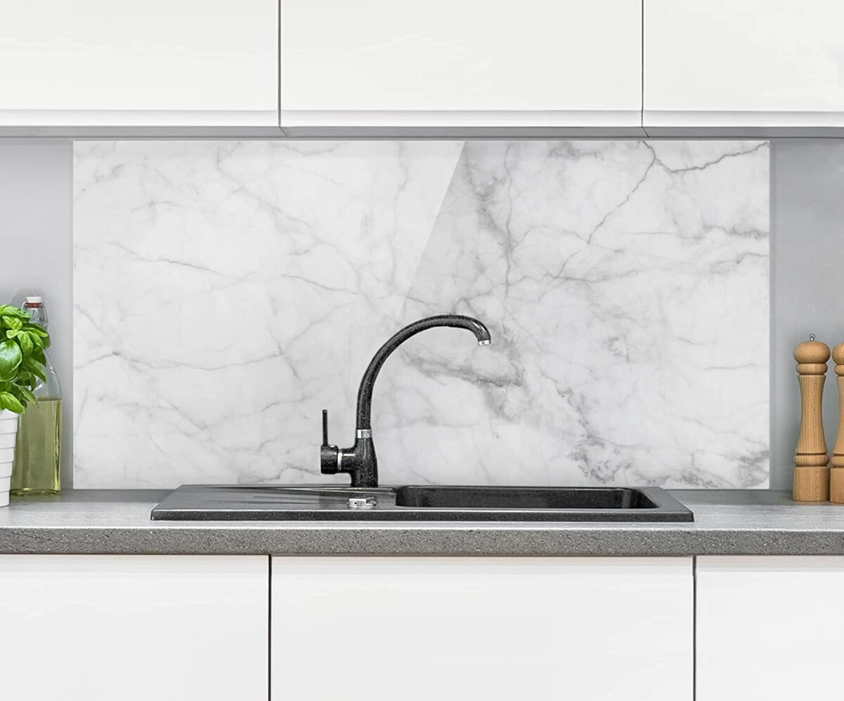paraschizzi-marmo-cucina