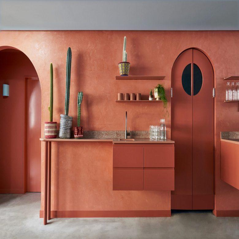 pareti-cucina-color-corallo-idee-foto-1