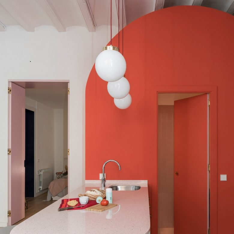 pareti-cucina-color-corallo-idee-foto-19
