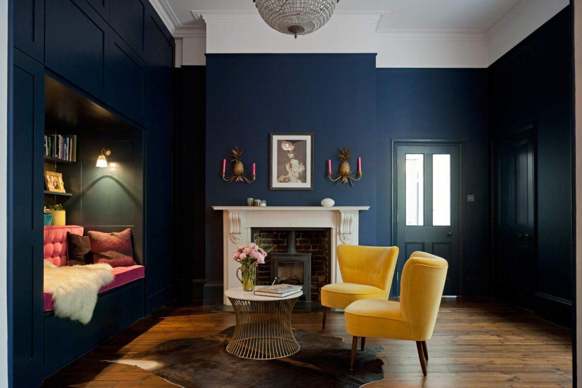 Soggiorno pareti color blu navy: 10 idee e foto