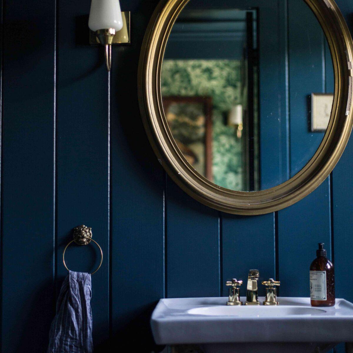 bagno-pareti-color-blu-navy-3