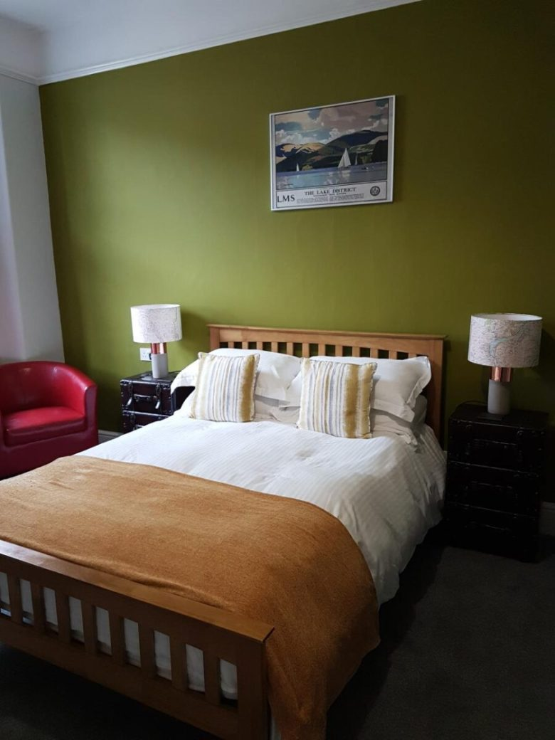 pareti-verde-oliva-camera-da-letto-10-idee-e-foto-11