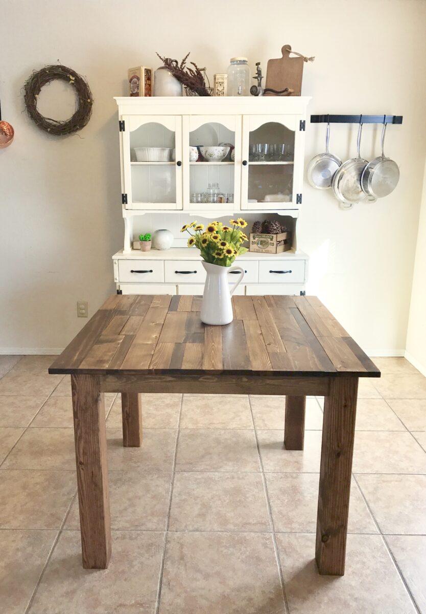 tavolo-quadrato-in-cucina-10-idee-e-foto-04