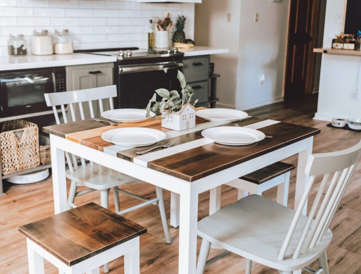 tavolo-quadrato-in-cucina-10-idee-e-foto-06