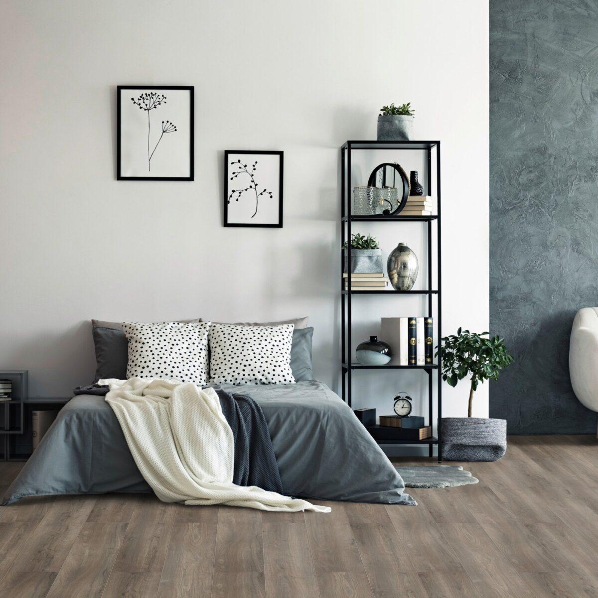 Nero e pavimento rovere idea di arredo