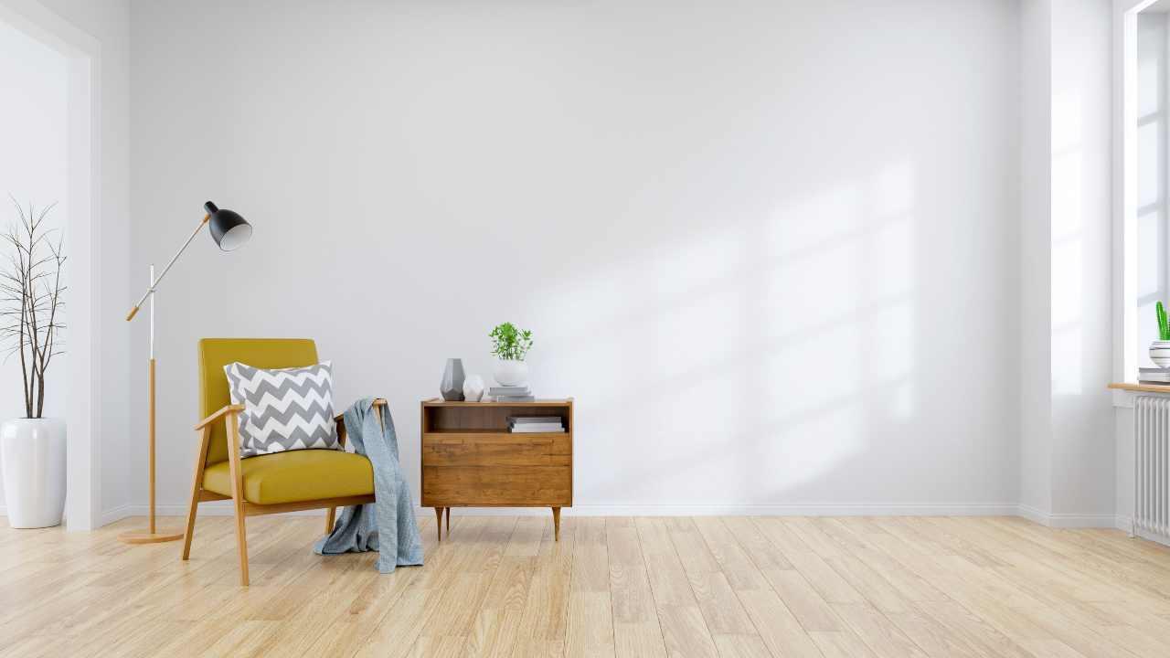 abbinamento legni diversi pavimento e mobili