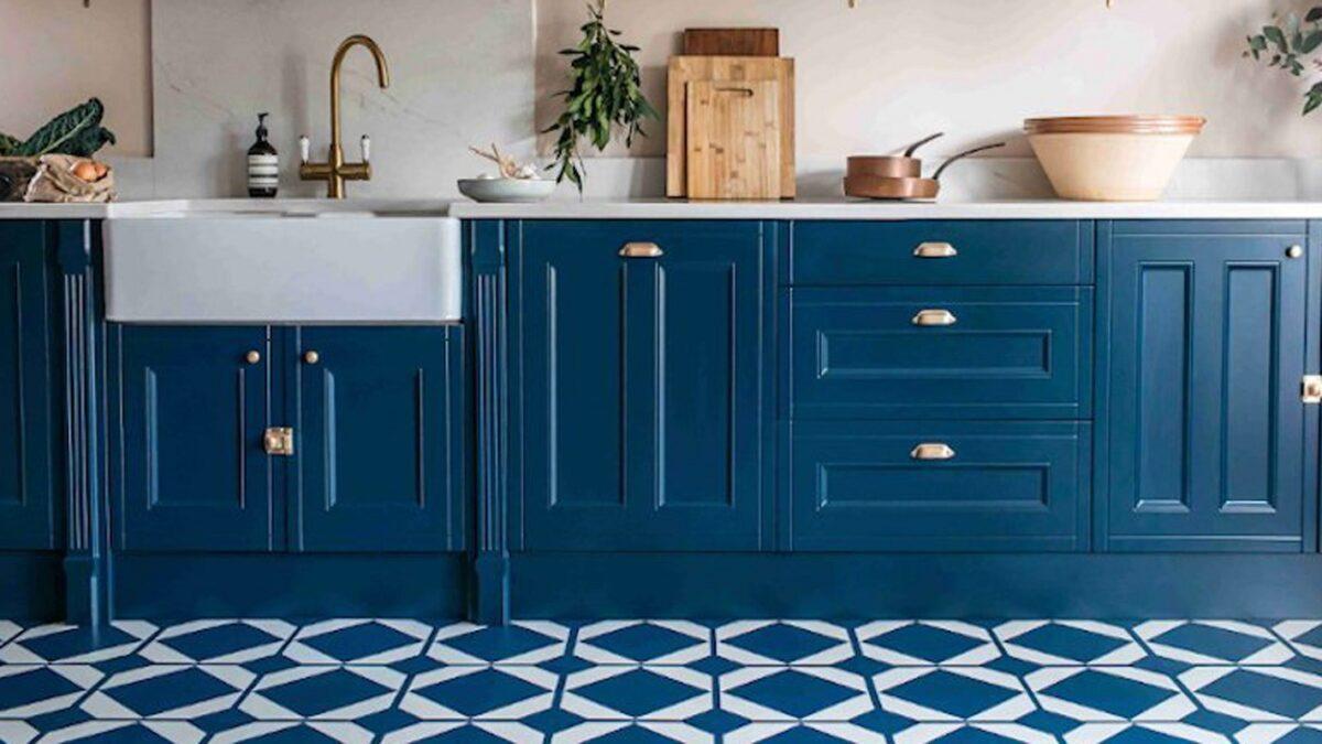 arredare la cucina con il bluette mattonelle